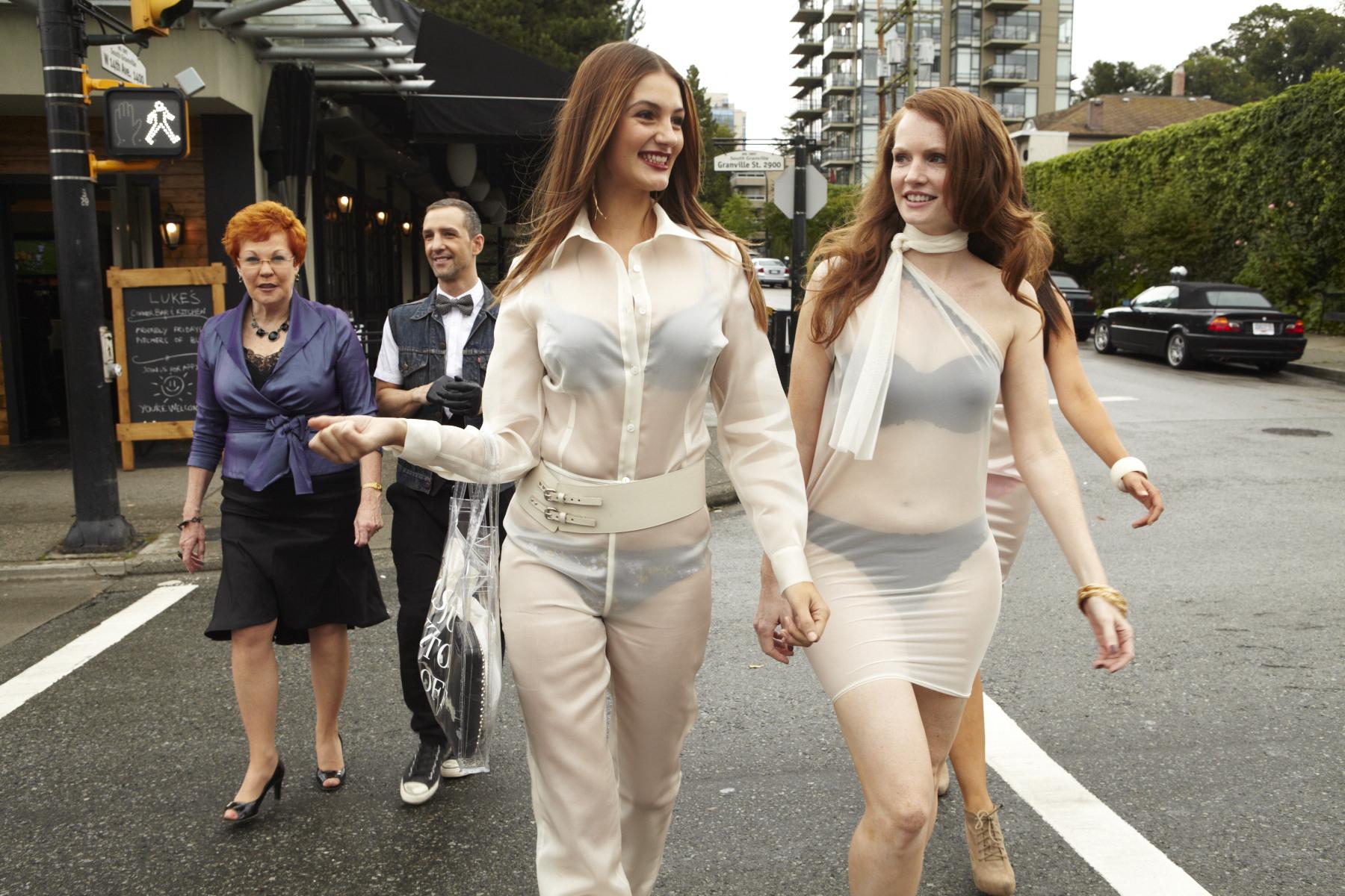 Частные фото женщин в прозрачном нижнем белье фото 21 фотография