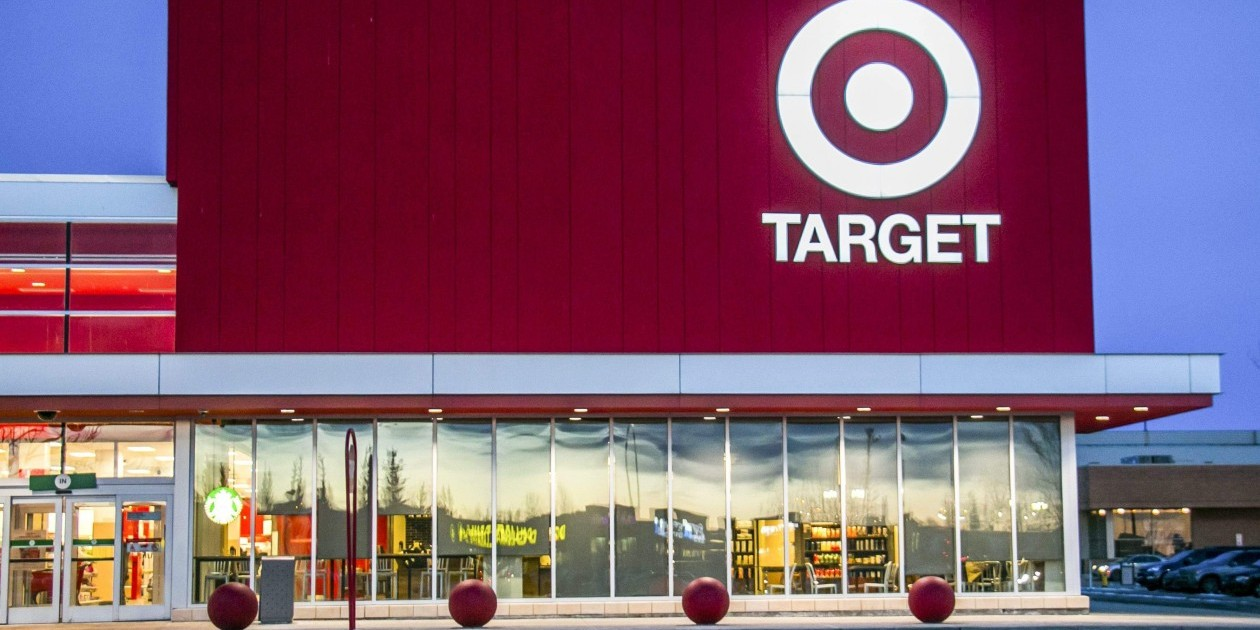 target market of pep stores Frito-lay, owned by pepsico inc pep , aims to get into organic grocery stores, with organic doritos, tostitos, cheetos and other snacks, per a.