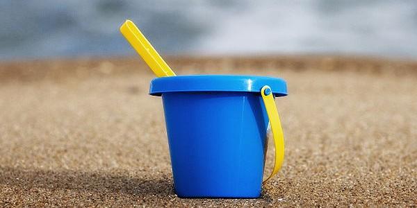 640px-Sand_bucket